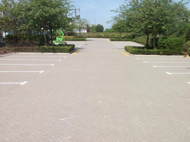 car park cleaning - after